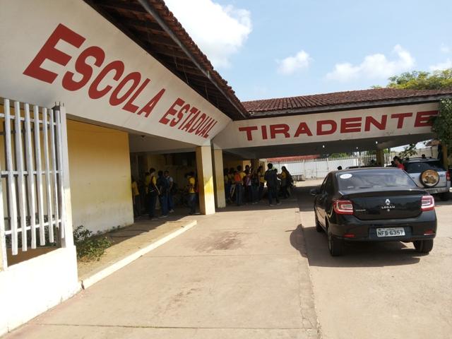 Escola Tiradenes