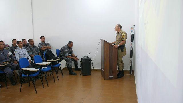 Primeiro dia do curso, ministrado pelo 3ª sargento Eder Murussi Leite, instrutor da Polícia Militar do Estado do Tocantins. Foto: divulgação