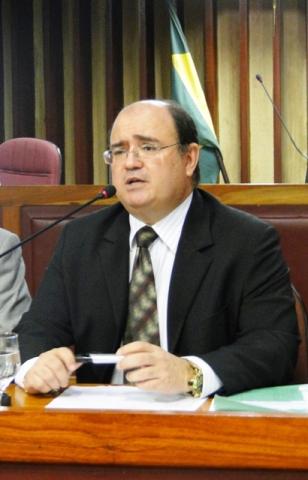 Promotor Adilson Garcia aguarda laudos
