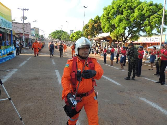 ...desfile emocionou na Avenida Barão do Rio Branco