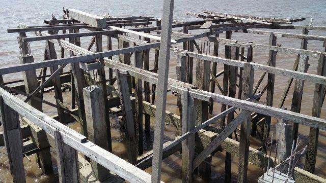 Estrutura de madeira ainda presente. Foto: André Silva