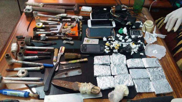 Material foi encontrado em 14 celas. Fotos: Rodrigo Sales
