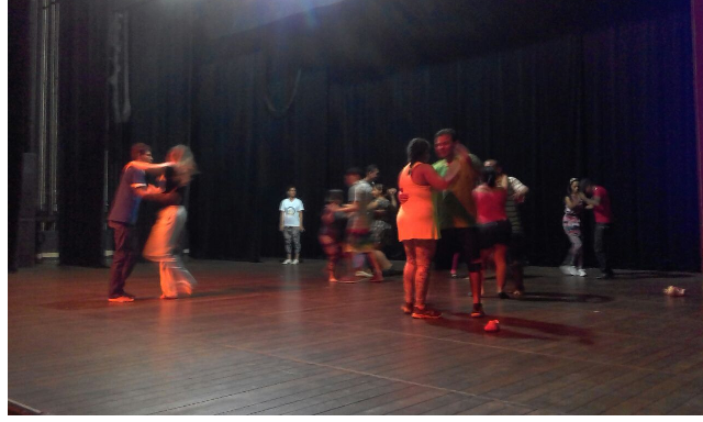 Grupo de dança prepara apresentação para logo mais. Fotos: divulgação