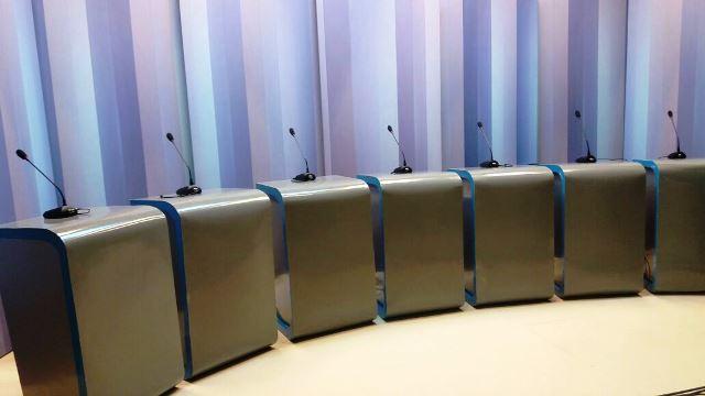 Cenário pronto para receber os 7 candidatos: Foto: Divulgação
