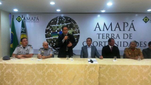 Presidente da Alap, Jaci Amanajás, fala durante cerimônia: projeto de lei deve ser aprovado sem problemas. Fotos: Júlio Miragaia