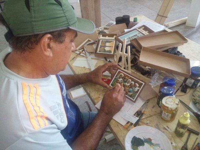 No espaço criado pelo próprio artista, no Araxá