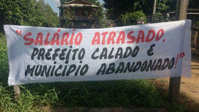 Protesto da educação denunciou a administração do município