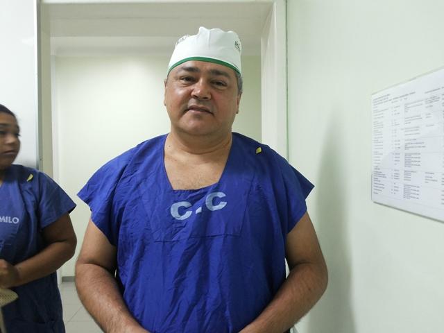 Médico Alexandre Lourinho: 10 pacientes por semana. Fotos: Cássia Lima