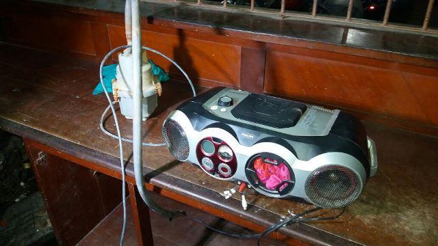 Além da bomba d'água, um aparelho de som tinha sido roubado de outra residência