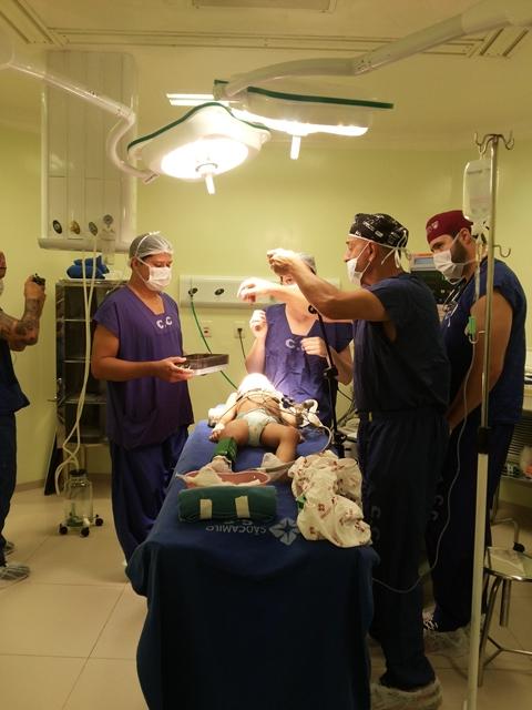 Crianças recebem anestesia geral