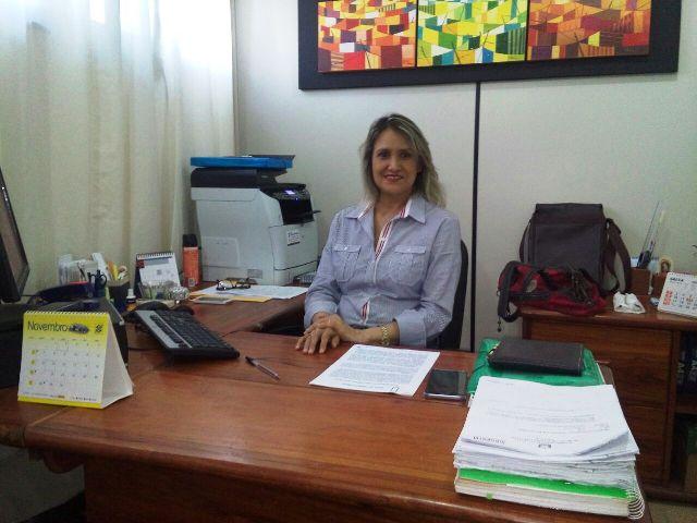 Dina Melo, da Coordenação de Educação Básica e Ensino Profissionalizante da Seed. Previsão de retorno do site é ainda nesta terça.