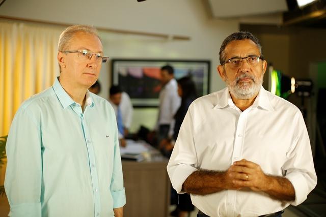 Gilvam e Adiomar em gravação de propaganda. Chapa terá que retirar iamgem de ex-governadora de sua propaganda. Foto: arquivo