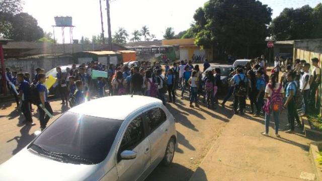 Estudantes do Maria Cavalcante protestam por segurança em agosto. Fotos: arquivo