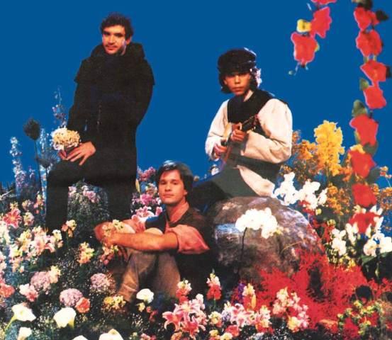 Bandas como Legião Urbana, Kid Abelha e Engenheiros conseguiram fazer a transição para os anos 90
