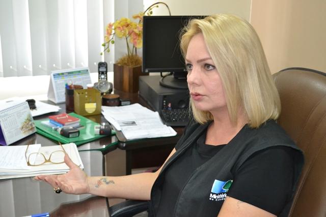 """Promotora eleitoral Andréa Guedes: """"não é perseguição. Não podemos fingir que não recebemos a denúncia"""". Fotos: Seles Nafes"""