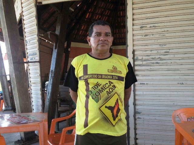 O proprietário de um quiosque próximo do muro, Gilberto Costa, conta que empresa teve que retirar tapume para evitar roubo