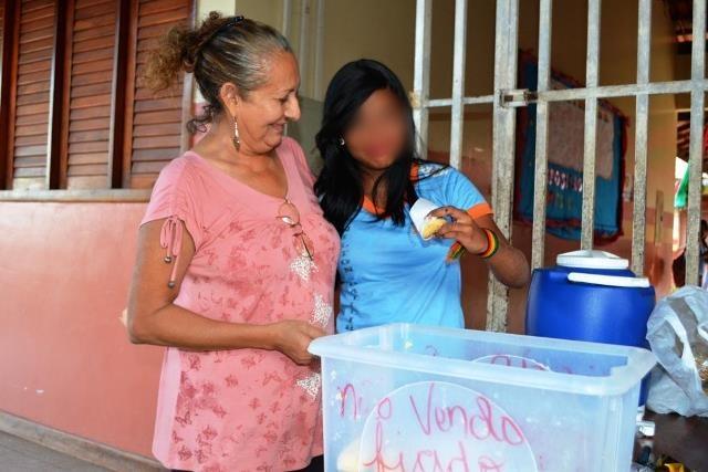 Professora Elba em reportagem sobre a venda de Monteiro Lopes