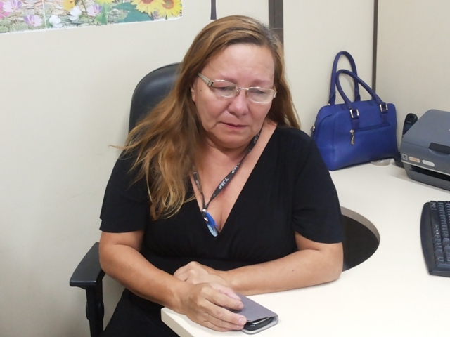 Oficial de justiça Sônia Maria Nascimento. 24 anos de profissão. Agressões aos servidores que realizam mandados é constante. Fotos: Cássia Lima