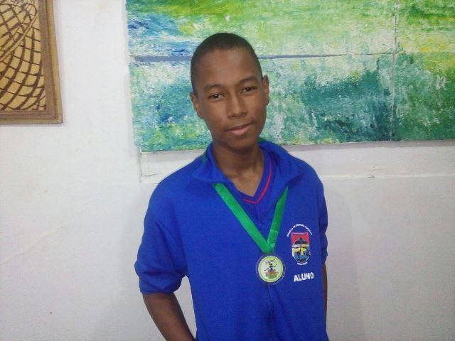 Marcos Vitório. Primeira vez que alunos do Eja conquistam premiação. Fotos: André Silva