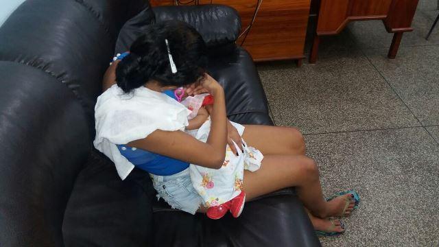 A esposa com o filho de 2 meses: apenas o marido foi indiciado