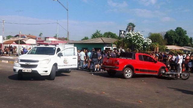 Acidente ocorreu na Avenida Adálvaro Cavalcante com a Rua Ruy Barbosa. Fotos: Olho de Boto