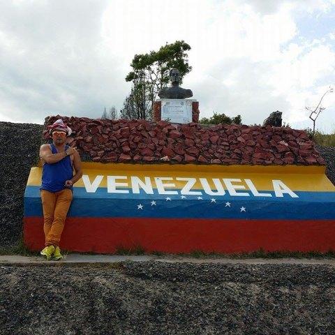 Turnê internacional de Wanderley Andrade passou por países da América do Sul, como a Venezuela