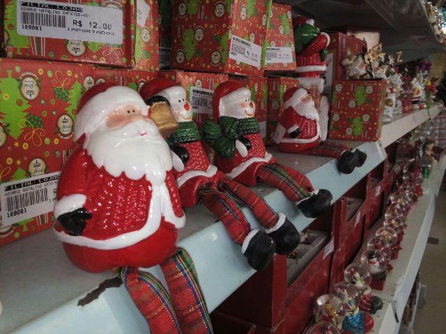 Início do período de compras natalinas começa tímido em Macapá. Fotos: André Silva