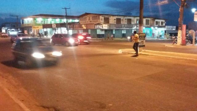 Trecho perigoso para atravessar no cruzamento da Cláudio Lúcio com Pastor Souzinha