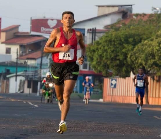 Atletas profissionais fizeram o percurso de 7 km em pouco mais de 20 minutos