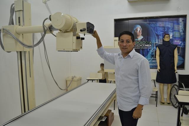 Coordenador do curso de radiologia, professor Luís Carlos: técnicas