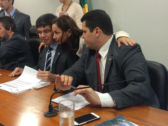 Bancada amapaense teve discussão com senador Romero Jucá (PMDB-RR), que pretendia excluir servidores do Amapá da PEC 199. Foto: arquivo