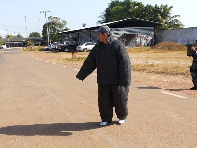 O jornalista Salgado Neto participando de simulação: