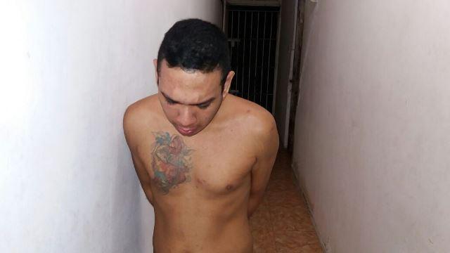 A filha da vítima disse que foi ameaçada por ele no momento da prisão