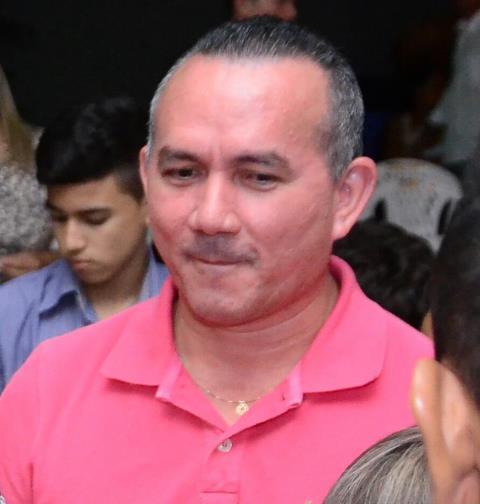 Gerson Martins foi morto dentro do carro com um tiro no peito