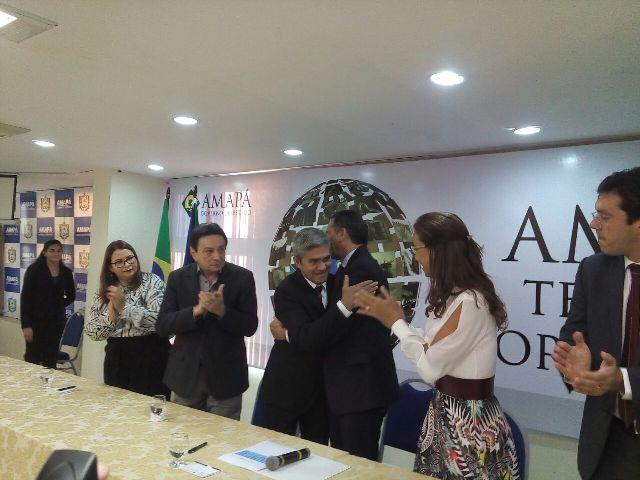 Governador Waldez Góes disse que Ericláudio Alencar vai publicar editais dos concursos públicos