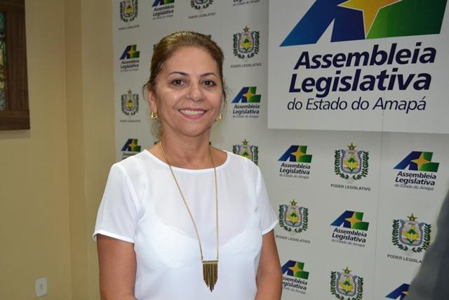 Deputada assumiu vaga deixada pelo deputado Ericláudio Alencar, o novo secretário de Segurança Pública