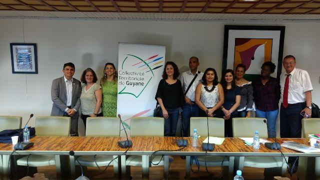 Representantes da Ueap com membros de instituições guianenses, parceiras em projetos que buscam financiamento do fundo da união Europeia. Fotos: Diego Diniz (Secom)
