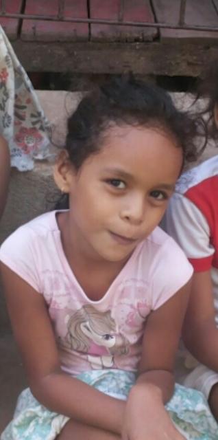 Mãe pede ajuda para encontrar a pequena Maria Eduarda