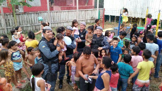 Polícia Militar também participou da ação. Fotos: Fernando Santos