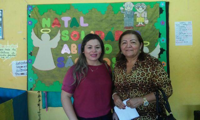 Diretora do Abrigo, Marlete Ferreira Góes (direita): dia da visita dos estudantes foi momento de emoção e alegria