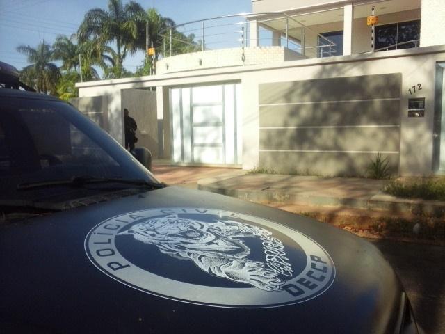 Policia Civil cumpra mandado na residência do deputado Júnior Favacho. Foto: Zenir Souza
