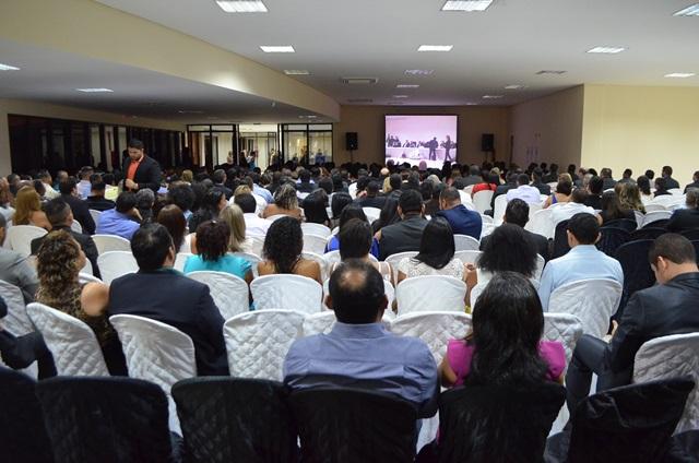 Cerimônia foi conduzida pelos dois juízes que comandaram a eleição e Macapá. Fotos: Gê Paula
