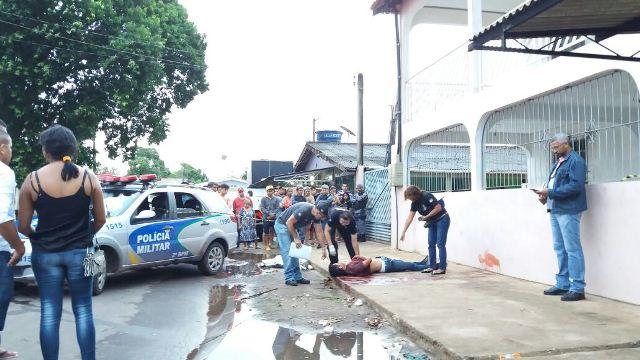 Jovem foi assassinado por motivo banal. Encostou no retrovisor de um carro. Fotos: Olho de Boto