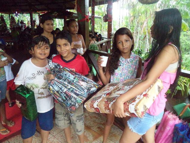 Os primos comemoraram os presentes. Fotos: Humberto Baía