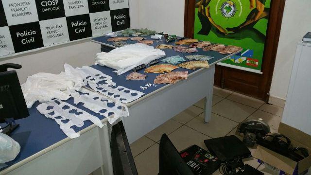 Drogas e dinheiro apreendidos no dia da operação