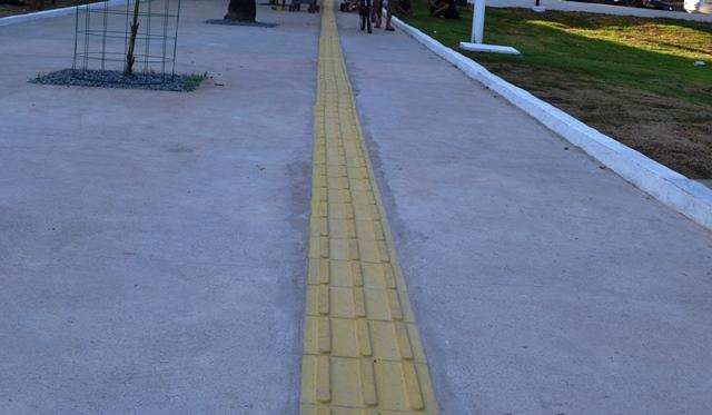 Novos caminhos com piso tátil