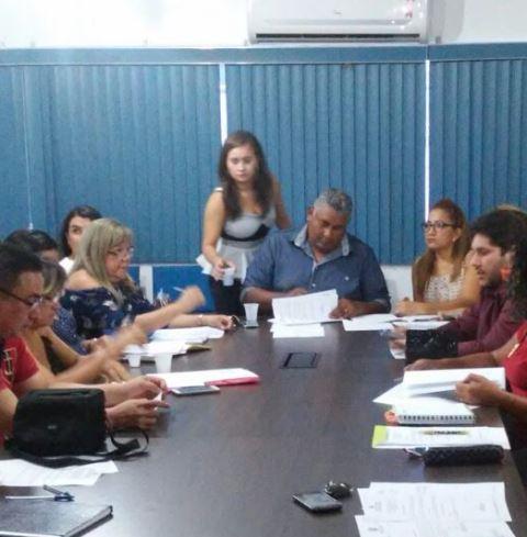 Reunião de secretarias com a Sesa. Aguardam repasse para as secretarias de saúde, 16 municípios. Fotos: Cássia Lima