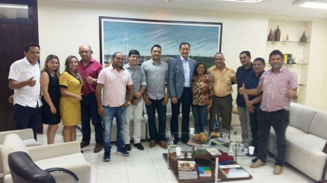 Governador Waldez Góes com a única chapa inscrita e grupo que apoia Helena Lima. Foto: Divulgação
