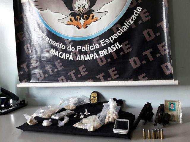Armas, munição e substância para adulterar a droga estavam no quarto do casal. Fotos: DTE