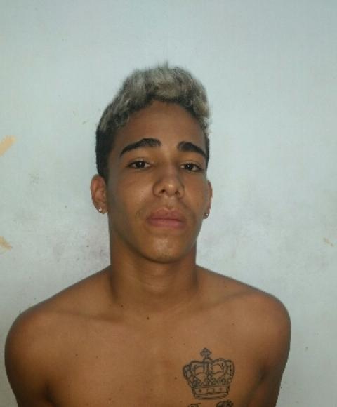 Otacílio Carvalho usava simulacro de arma para assaltar. Fotos: 1º BPM